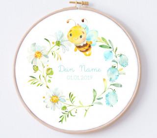 DIY Stickrahmen - Lovely Little Bee - personalisiertes Stickrahmen Bild - Biene - Blütenkranz - zum Selbermachen