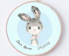 DIY Stickrahmen - Kleiner Hase Toni - personalisiertes Stickrahmen Bild - zum Selbermachen
