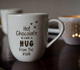 Plotterdatei »Hot Chocolate« – Spruch »Like a Hug«