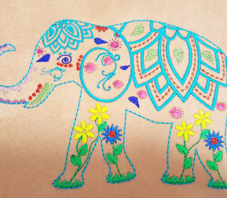 Elefant Superbunt Stickdatei 13x18