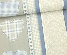 Dekostoff - Feste Baumwolle - Herzen - Spitzenbordüre - Aufnäher-Optik - Warmgrau