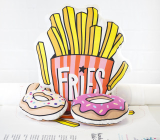 Kissenstoff - DIY - Fries und Donuts - OMG - Hamburger Liebe - abby and me