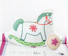 Kissenstoff - DIY - Schaukelpferd und Keks - Weihnachten - Bine Brändle - abby and me