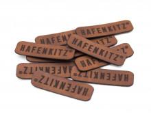 10 FERTIGE KUNSTLEDER LABEL - HafenKitz - Dunkelbraun - Schriftzug - NIKIKO