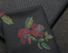 Fester Jersey - Romanit - Blumen - Stiched Folk - Milliblus - Schwarz