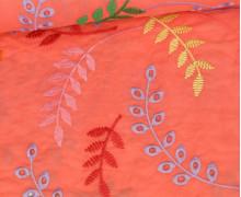 Baumwollstoff - Bunte Lochstickerei - Blumenranken - Koralle