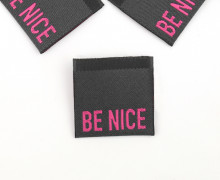 1 Label – BE NICE – Anthrazit