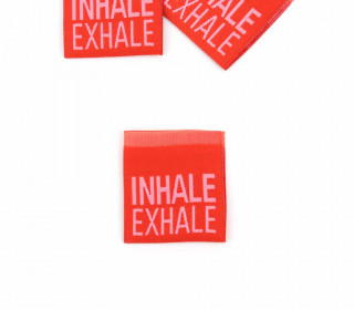 1 Label - INHALE EXHALE - Rot