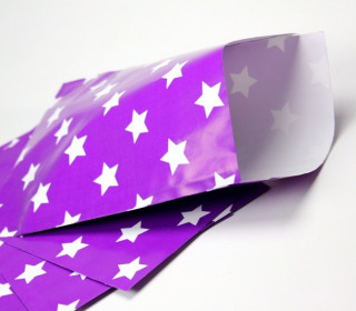 10 Papiertüten, Lila / weiße Sterne, 17,5x24,5cm