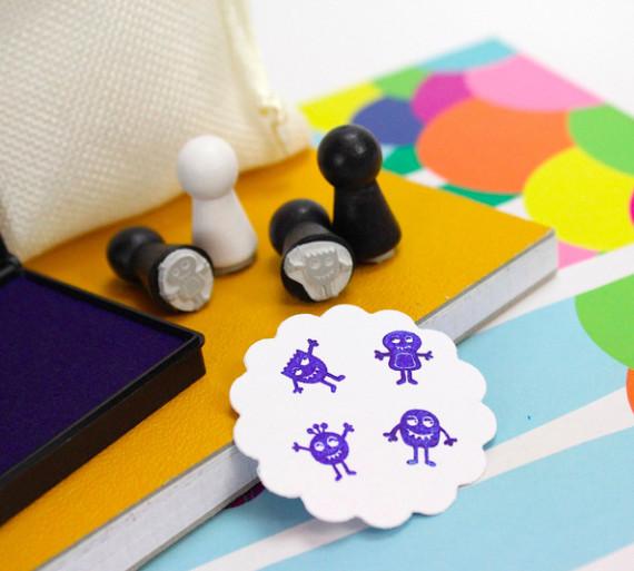 4 mini stempel set mit stempelkissen e monster. Black Bedroom Furniture Sets. Home Design Ideas