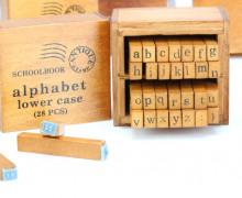 Buchstabenstempel - Alphabet - Stempel in Holzbox.